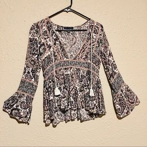 NWOT velvet detail boho sleeve print top from AE